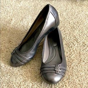 Size 7M Life stride charcoal/dark gray shoes
